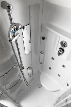 High angle perspective of the inside of a modern shower.