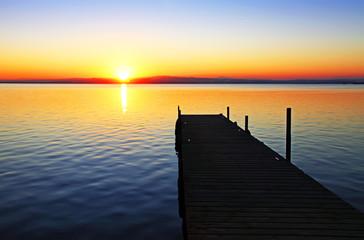 Fotorolgordijn Pier camino hacia el sol