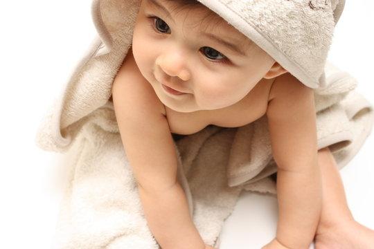 Bébé assis