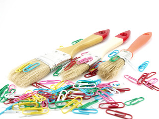 Paint brushes and clips