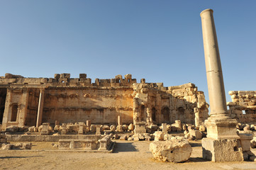 roman ruins at baaleck lebanon