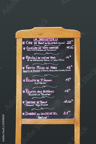Tableau noir avec carte de restaurant photo libre de for Tableau noir restaurant