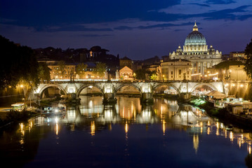 Canvas Prints Rome Picturesque view of St. Peter's Basilica from river Tiber