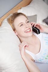 glückliches Telefonat