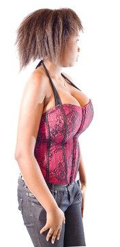 jeune femme à forte poitrine