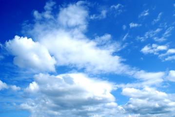 Blue sky wih clouds