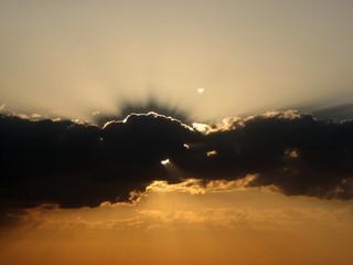 Rayons de soleil perçant les nuages, Pays Basque