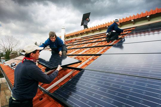 installing black high performing solar modules  02