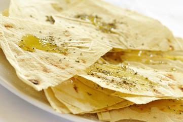 foglie di pane con olio e origano