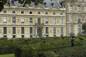 France, palais du Louvre à Paris