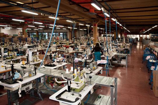 Industria tessile - reparto di cucitura