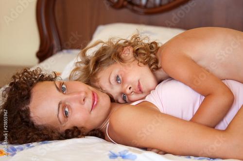 фото эротика мамы и дочки № 753192  скачать