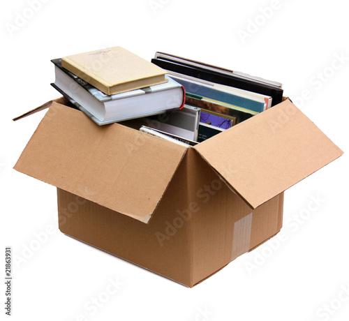 caisse de livres photo libre de droits sur la banque d. Black Bedroom Furniture Sets. Home Design Ideas