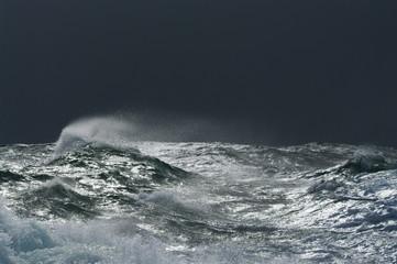 Fotobehang Onweer tempête sur le raz de Sein