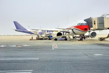 Shanghai Pudong international airport, airplane docking