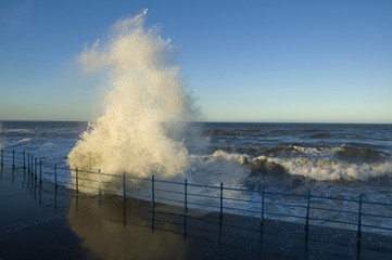breakwater wave