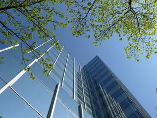 Fotobehang Aan het plafond Hochhaus in Frankfurt