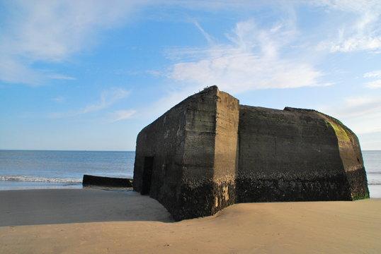 Bunker de la seconde guerre mondiale à la plage