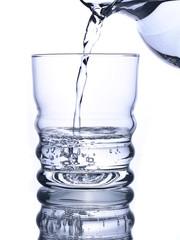 Wasser ausgießen