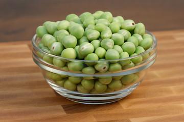 green beans  on fine cutting board