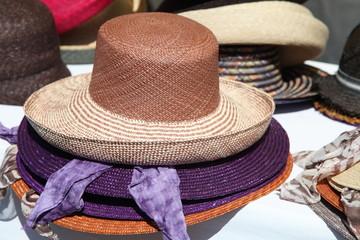 Damenhüte