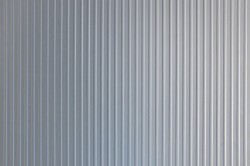 Metallic surface with vertical stripes