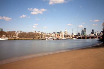 london city from the embankment beach