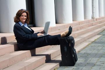 Geschäftsfrau entspannt