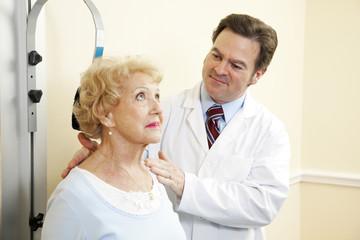 Chiropractor Treats Whiplash