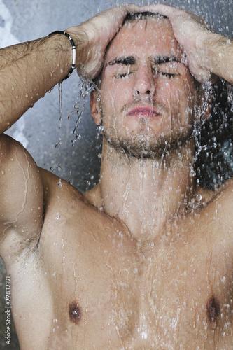 Фото мужики в душе