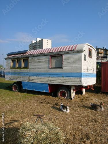 alter zirkuswagen am hafen 2 in offenbach am main stockfotos und lizenzfreie bilder auf. Black Bedroom Furniture Sets. Home Design Ideas