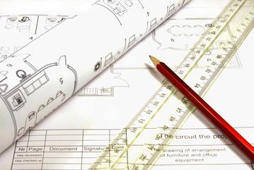 План-схема с чертежными инструментами