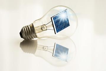 lampadina riflessa  con pannello solare