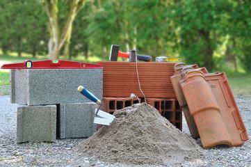 outils et matériaux de maçonnerie