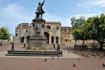 Columbus estatue & cathedral, santo domingo, dominican republic