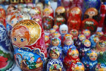 Poupées russes au marché à Moscou