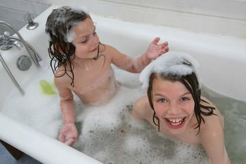 enfant bain