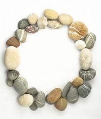 circle sea stones border