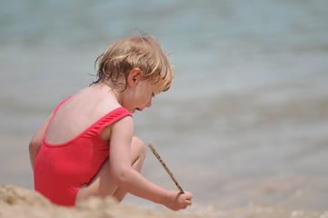 Kleinkind am Meer