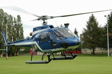 Hélicoptère Ecureuil Gendarmerie 2