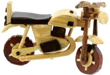 moto artisanale bois Madagascar, fond blanc
