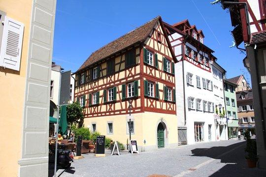 Konstanz - Strasse mit Fachwerkhaus