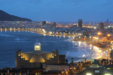 Wall Mural - The City of Las Palmas de Gran Canaria at night