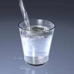 Acqua nel bicchiere