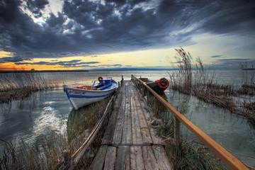 Fotorolgordijn Pier barcas en el embarcadero