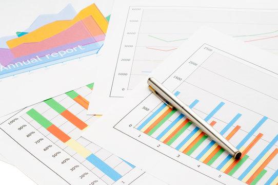 graphs and charts businnes concept  -  grafici