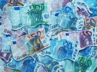 Geld unter Wasser