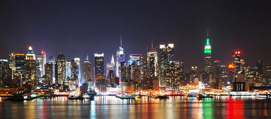 Fototapete - NEW YORK CITY NIGHT SKYLINE PANORAMA