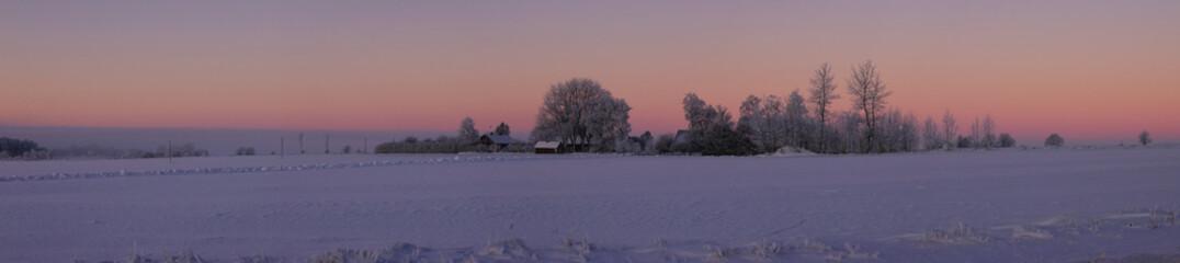 Atardecer en el campo en Suecia