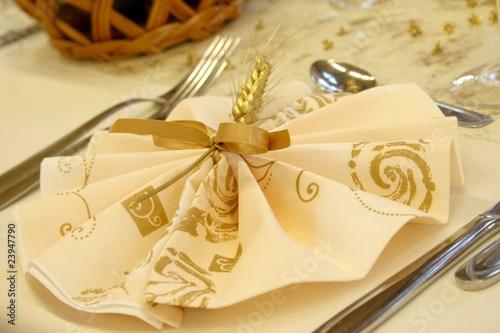 Tischdeko goldene hochzeit stockfotos und lizenzfreie for Goldene hochzeit tischdeko